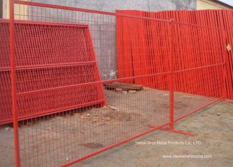 Cina PVC Coated Temporary Construction Fence Kanada Standar 10x6 FT Event Movable Fence pemasok