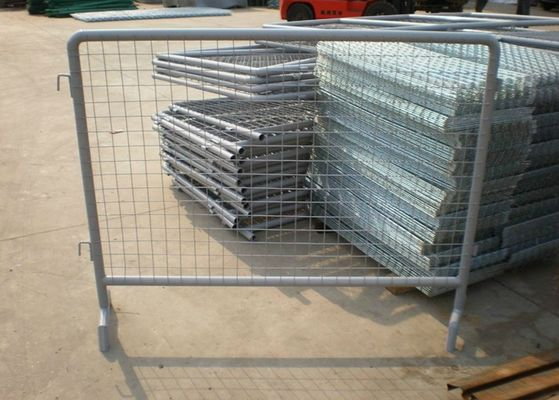 Hot Dipped Galvanized Temporary Construction Fence Untuk Olahraga / Konser